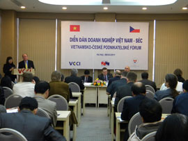 Vietnam-Czech Republic Business Forum Held in Hanoi