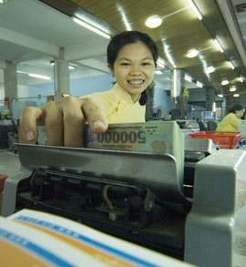 Vietnam Business Bailout: Government Buys Bad Debts