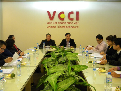 Vietnam-India Business Forum Actively Supporting Both Sides' Business Communities