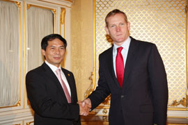 Striving to Bring Vietnam-UK Bilateral Trade Turnover to US$4 Billion in 2013