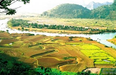 Quang Binh Making Tourism an Economic Leverage