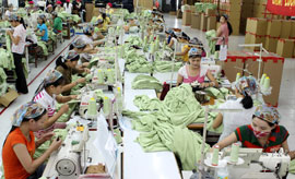 Vietnam Textile Enterprises Hurriedly Prepare Ahead of Free Trade Agreements