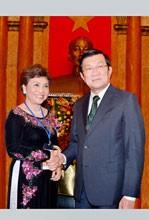 """Golden Rose"" Nguyen Thi Kim Lien: Quietly Shining"