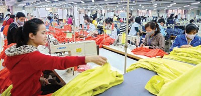Seeking Technological Solutions for Vietnam Garment and Textile Industry