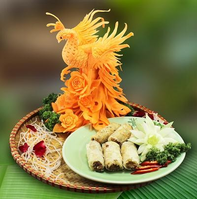 Prime Minister of Slovakia Experience Vietnamese Culinary Culture