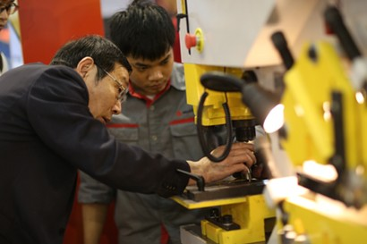 Getting Ready for Next Level of Competitiveness for Vietnam's Manufacturing Industry