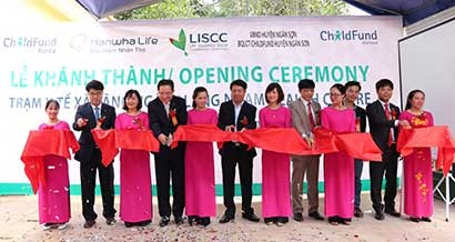 Hanwha Life Vietnam Donates Medical Center to Bac Kan Province