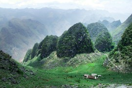 Ha Giang Sets Long-Term and Far-Sighted Vision for Sustainable Tourism Development