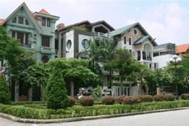 Real Estate Remains Unattractive to Overseas Vietnamese: Prices or Polices?