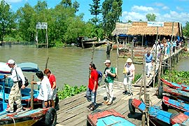 Int'l Tourist Arrivals to Vietnam + 35.7% to 1.793M in Jan-April: GSO