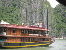 Cruise to Be Priority of Vietnam Tourism Development
