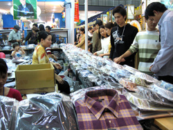 Textile Industry Needs to Focus on Local Market