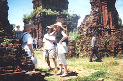 12 Foreign Firms Study Vietnam Tourism Potentials