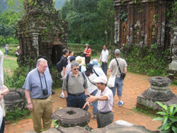 Vietnam Welcomes 1.1Mln Int'l Tourists in First Quarter