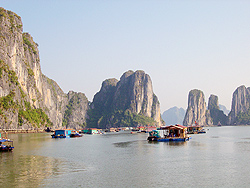 Vietnam Bay Returns to World Wonders Poll