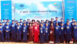 Vietnam Boosts Tourism Ties with Foreign Partners