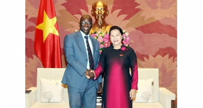 NA Chairwoman Receives WB's Country Director
