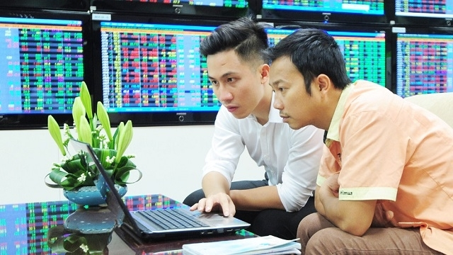 Developing New Products to Attract Investment in Viet Nam's Stock Market