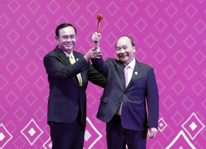 VN Takes Over ASEAN Chairmanship from Thailand
