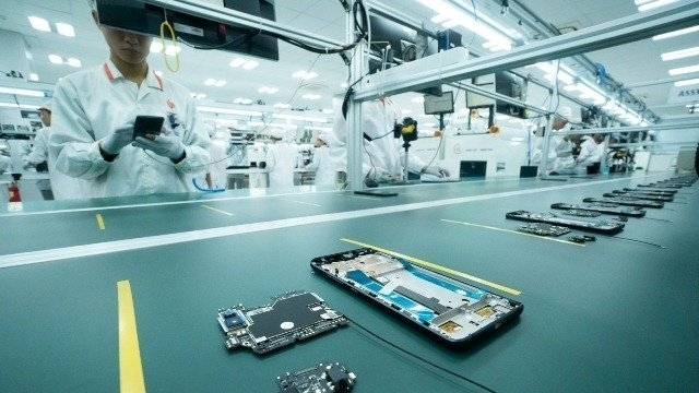 Vingroup Builds Additional Smartphone Plant in Hanoi