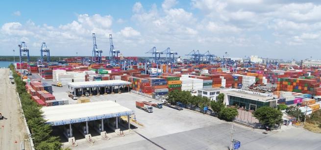 Foreign Firms Keep an Eye on Vietnam Logistics Industry