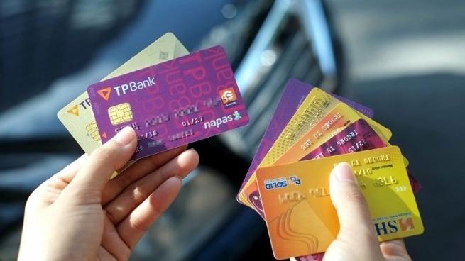 Vietnam Begins to Adopt Chip Bank Cards