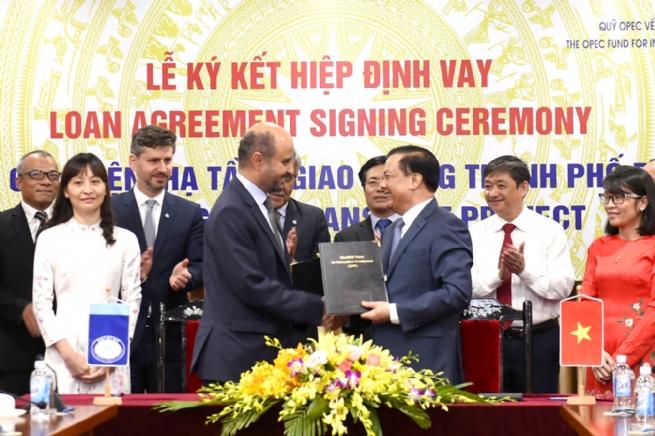 """Ký kết Hiệp định vay cho Dự án  """"Cải thiện hạ tầng giao thông thành phố Đà Nẵng"""""""
