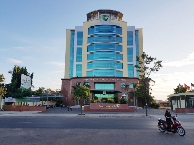 Vietcombank Binh Thuan Affirms Leadership in Financial Market