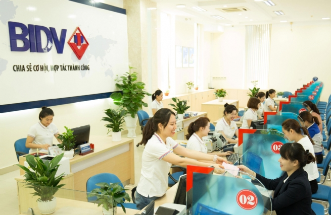 Working out Appropriate Approach for Banking System Restructuring