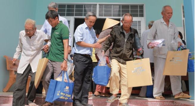 """""""HEINEKEN Vietnam - Warm Spring Program"""" Helps Bring Joy to Underprivileged Communities for Tet"""