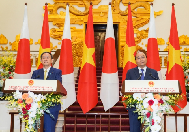 Viet Nam plays a key role in Free and Open Indo-Pacific strategy, Japanese PM Suga says