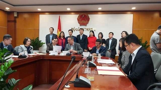 Ministry of Industry and Trade Seeks Measures to Boost Consumption of Farm Produce