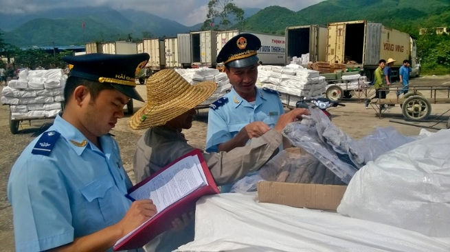 Smuggling and Trade Fraud: 1,587 Cases Arrested, Confiscating VND216 Bln