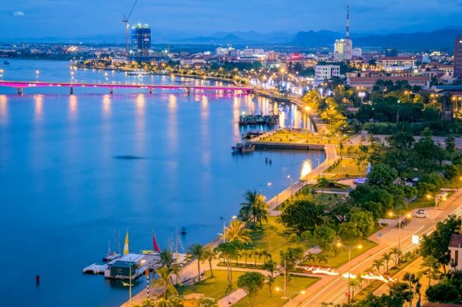 Quảng Bình: Phát triển kết cấu hạ tầng, đẩy mạnh thu hút đầu tư