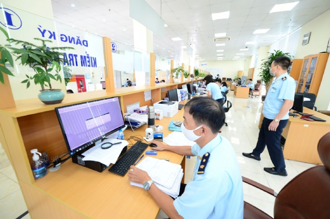 Devising Strategy for Better Customs Service to Business Community