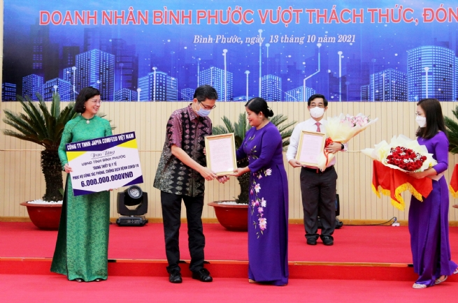 Japfa Donates VND6 Bln Worth of Medical Equipment to Hospital in Binh Phuoc Province