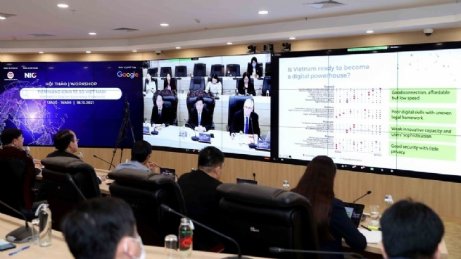 Digital Technology Projected to Earn US$74 Bln for Vietnam by 2030: Seminar