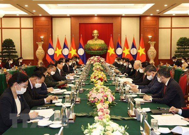 Top Vietnamese, Lao Leaders Highlight Strategic Significance of Special Ties