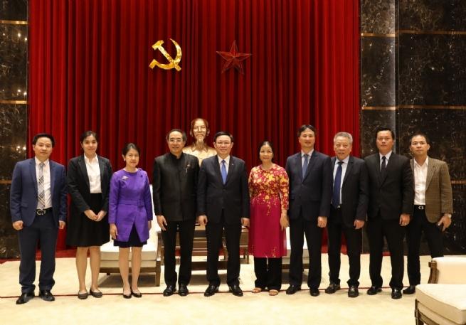 Vietnam, Thailand Foster Sustainable Partnership Toward Prosperous Future
